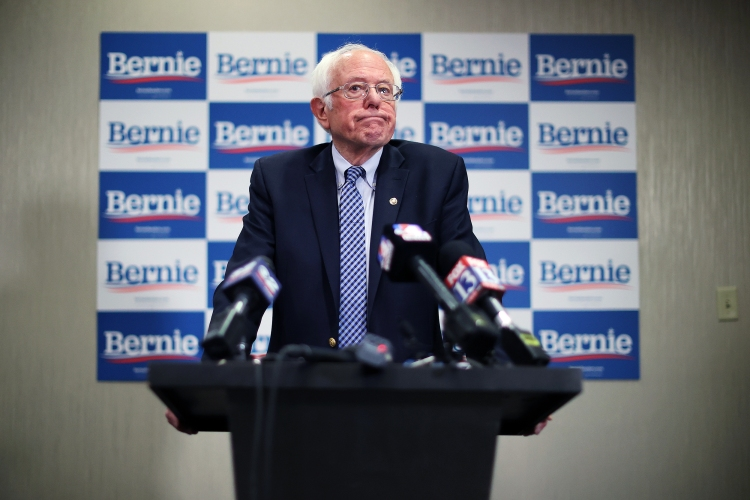 Image: Presidential Candidate Bernie Sanders Campaigns Across U.S. Ahead Of Super Tuesday